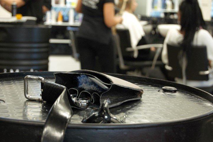 dettaglio forbici capelli salone imarloo parrucchieri mestre